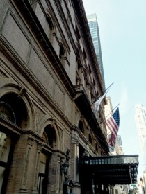 ニューヨーク カーネギーホール ザンケルホール 星野久美 フラワー装飾 舞台装飾 ステージ装飾 監修
