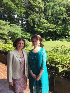 イタリア大使館にて大使夫人とご一緒に