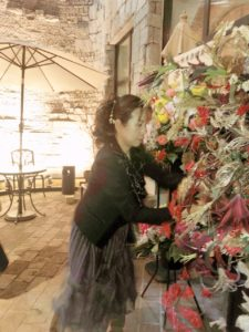 秋本奈緒美さん年末ライブ。エントランスフラワー装飾。