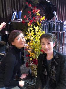リハーサル直後、秋本奈緒美さんと