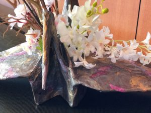 柿渋と和紙でつくる鶴の花器