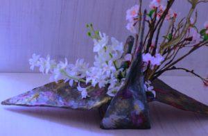 柿渋と和紙で作る鶴の花器