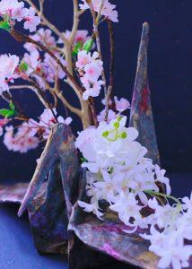 和紙と柿渋でつくる鶴の花器