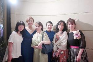 秋本奈緒美さんと生徒さまたちと