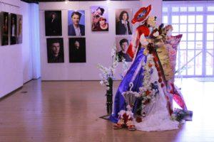 赤レンガ倉庫にて日仏交流記念フラワーオブジェ展示